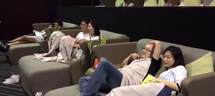 Zainstalowano również kamery, żeby w kinie nie dochodziło do...gorszących scen /AsiaWire /East News