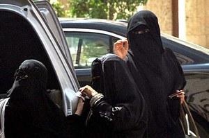 Zakazać kobietom jazdy samochodem? Porozmawiajmy...