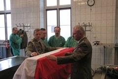 Zakończono badania ekshumowanych szczątków oficerów