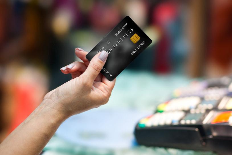 Zakupy kartą kredytową a profity dla klientów /materiał zewnętrzny