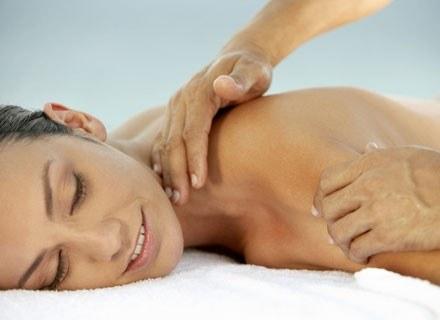 Zaleca się korzystanie z masażu dla kobiet w ciąży u doświadczonego terapeuty /© Panthermedia