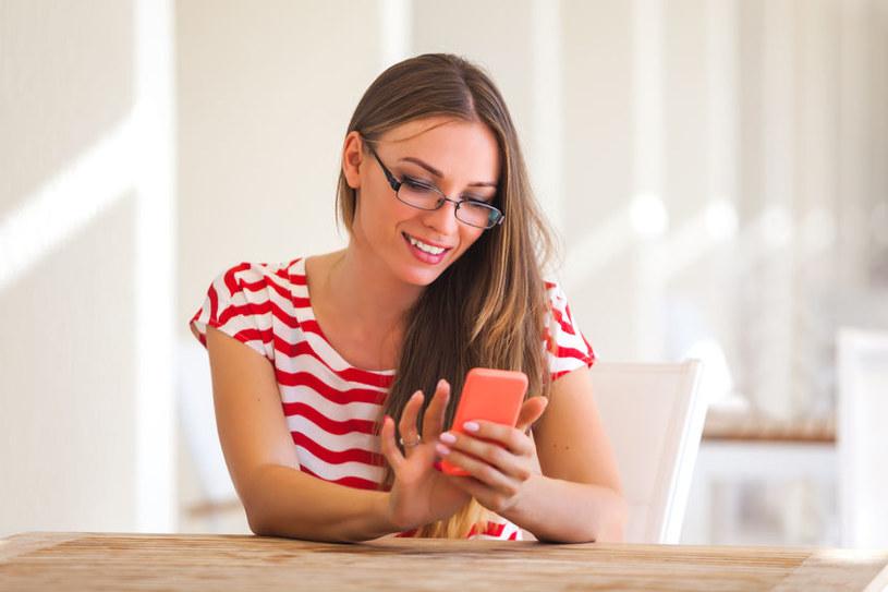 Zaledwie 37 proc. użytkowników smartfonów pomyślało o tym, aby zabezpieczyć go jakimkolwiek programem antywirusowym /123RF/PICSEL