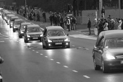 Żałobny kondukt ulicami Warszawy