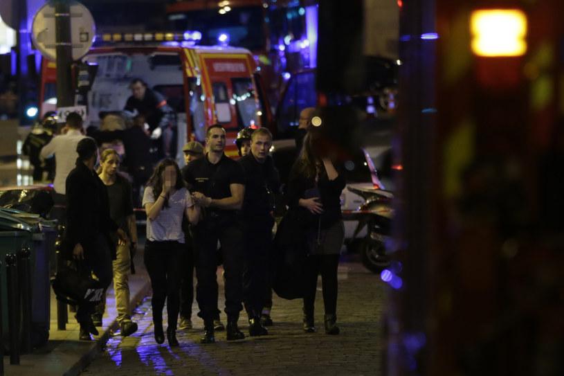 Zamachy w Paryżu: Ewakuacja mieszkańców /AFP