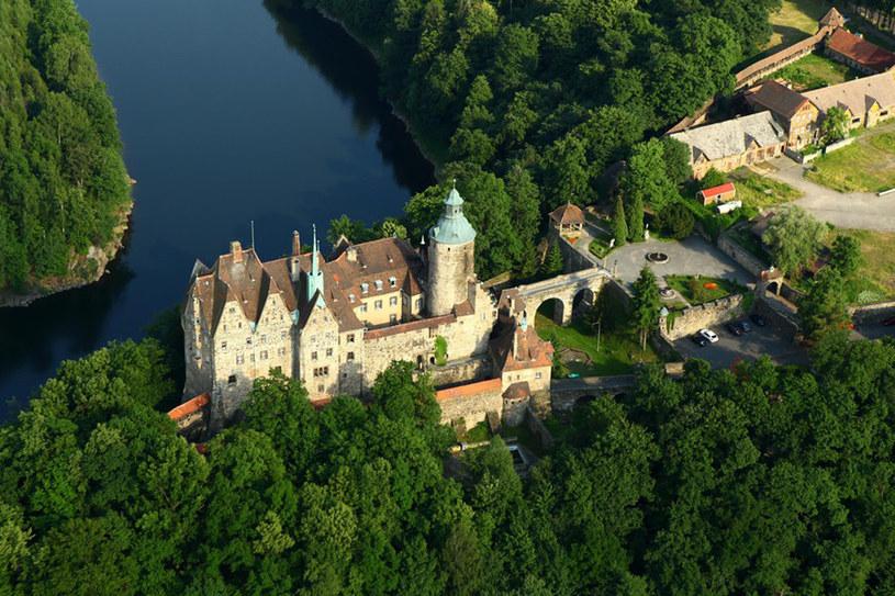 Zamek Czocha wykorzystano jako scenerię w kilku polskich filmach. Oprócz Tajemnicy twierdzy szyfrów nakręcono tu sceny do filmów Gdzie jest generał oraz Wiedźmin. /Krystian Trela /Reporter