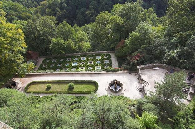 Zamek Książ - fragment ogrodu w stylu francuskim /123/RF PICSEL