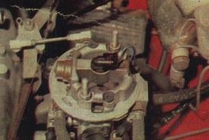 Zamiast gaźnika - jednopunktowy wtrysk. /Motor