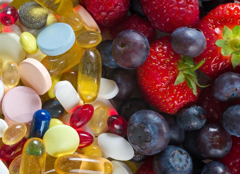 Zamiast na suplemety, postaw na zdrową dietę /123RF/PICSEL