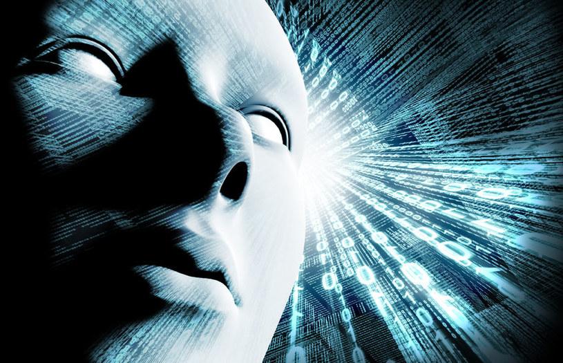 Zamiast szukać życia poza Ziemią, powinniśmy rozwijać sztuczną inteligencję /123RF/PICSEL