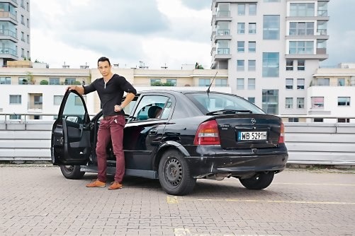"""""""Zamieniłem Astrę 2.0 DTI na 1.6 LPG. Rocznie na paliwie zaoszczędzam 1000 zł"""" - Mateusz, jeździ Oplem Astra II 1.6 LPG /Motor"""