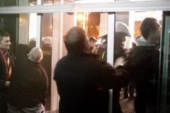 Zamieszki przed siedzibą Jastrzębskiej Spółki Węglowej.