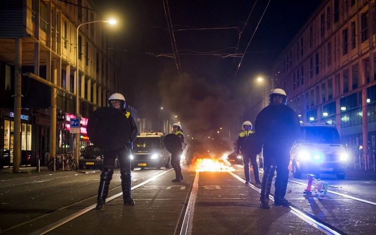 Zamieszki w Hadze /MARCO DE SWART / ANP / AFP /AFP