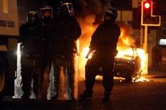 Zamieszki z udziałem katolików i protestantów w stolicy Irlandii Północnej