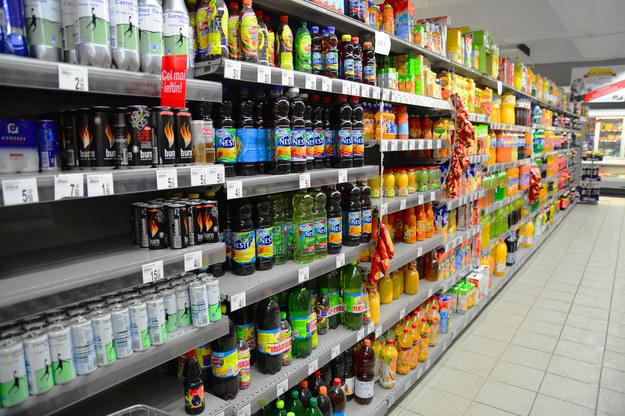 Zamknięte sklepy to ogromne straty dla budżetu... /123RF/PICSEL