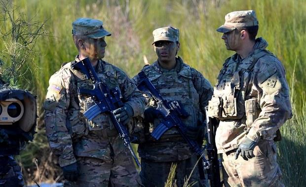 Żandarmeria i policja na tropie trzeciej osoby ws. kradzieży sprzętu żołnierzy z USA
