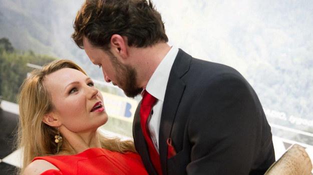 Żaneta wpadnie Bertnerowi w ramiona! Paparazzi tylko na to czekali! /TVN