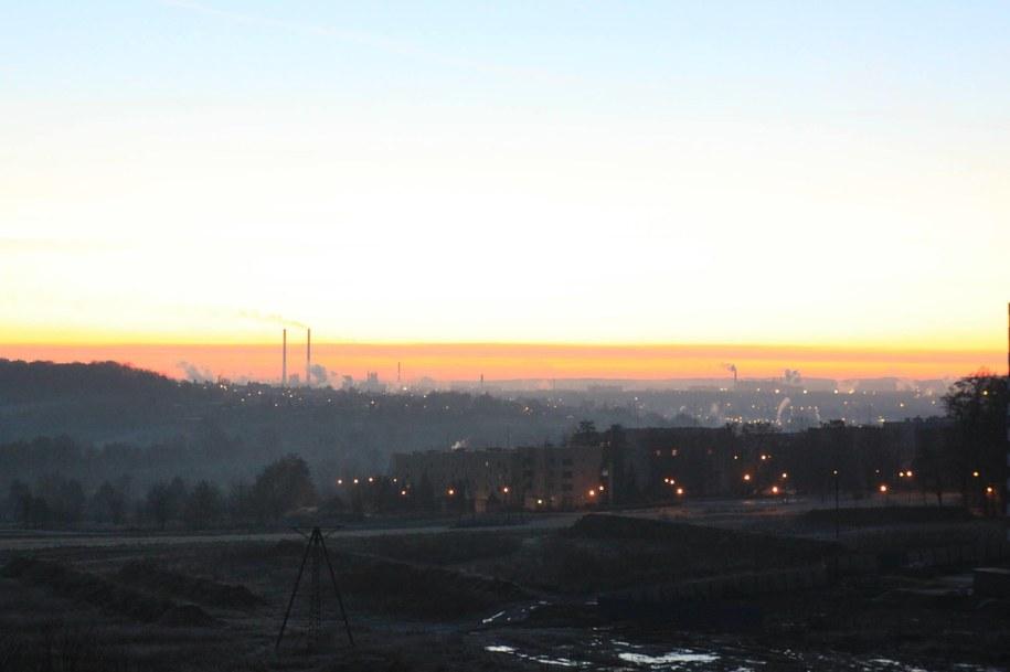 Zanieczyszczone powietrze stanowi zagrożenie dla naszego zdrowia /Marcin Szewczyk /RMF24