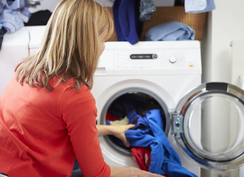 Zanim kupisz pralkę, dwa razy się zastanów /123RF/PICSEL