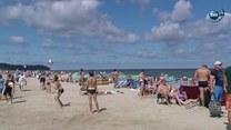 Zanim pójdziemy na plażę... Ratownik radzi, jak oswoić się z wodą