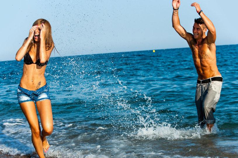 Zanim wyruszysz na podbój plaży zadbaj o ciało i włosy /123RF/PICSEL