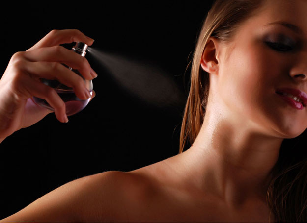 Zapachy od wieków były używane jako narzędzie do podniesienia własnej atrakcyjności /©123RF/PICSEL