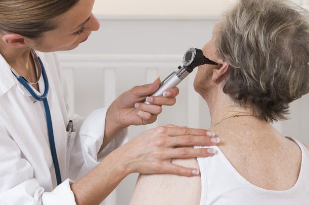 Zapalenia ucha nie można lekceważyć /123/RF PICSEL
