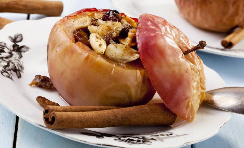 Zapieczone jabłka z bakaliami