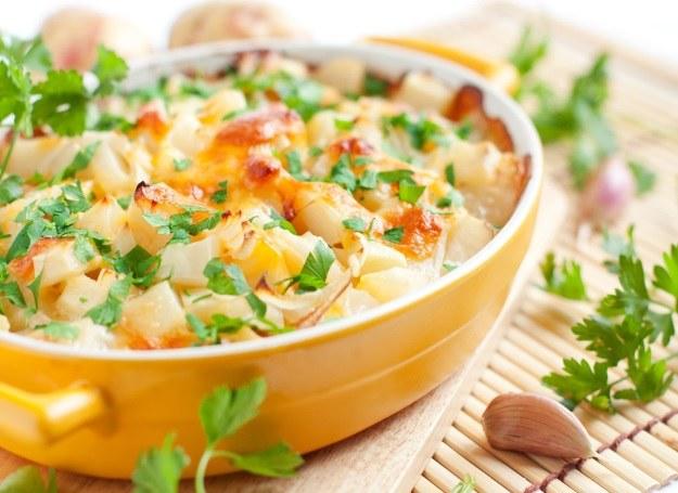 Zapiekanka warzywna - pomysł na szybką i smaczną kolację /123RF/PICSEL