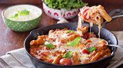 Zapiekanka z mięsem, makaronem i warzywami