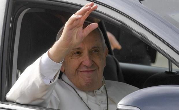 """Zapowiedzi kulturalne. """"Pasażerka"""" na scenie Teatru Bolszoj i nowa książka papieża Franciszka"""