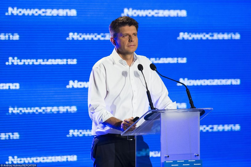 Zaproponowana zasada przez Nowoczesną, że za każdą nową ustawę trzeba wycofać dwie regulacje nie ma najmniejszego sensu - według Dariusza Rosati /Andrzej Hulimka  /Reporter