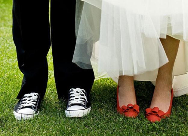 Zaproszone osoby muszą zdawać sobie sprawę ze zmian, jakie wprowadzasz w tradycję zaślubin /Delightbox /abcslubu.pl