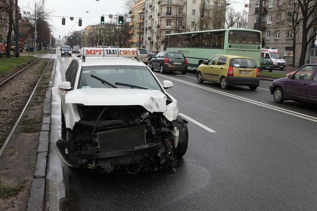 Zarabiasz autem? Bierz zastępcze / Fot: Tomasz Radzik /Agencja SE/East News