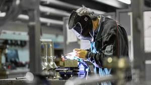 Zarobki w pionie produkcyjnym - raport płacowy Sedlak & Sedlak 2016