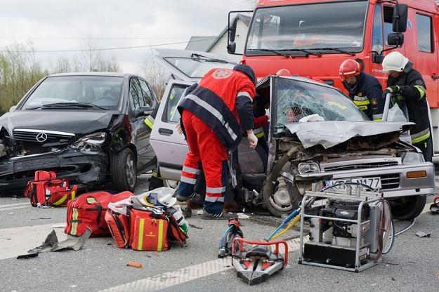 Zarówno kierowcy młodzi, jak i starsi mogą jeździć niebezpiecznie / Fot: Tadeusz Koniarz /Reporter