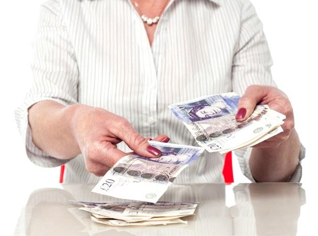 Zasiłek uniwersalny - universal credit - zastąpił kilka obowiązujących dotychczas świadczeń i ulg /123RF/PICSEL