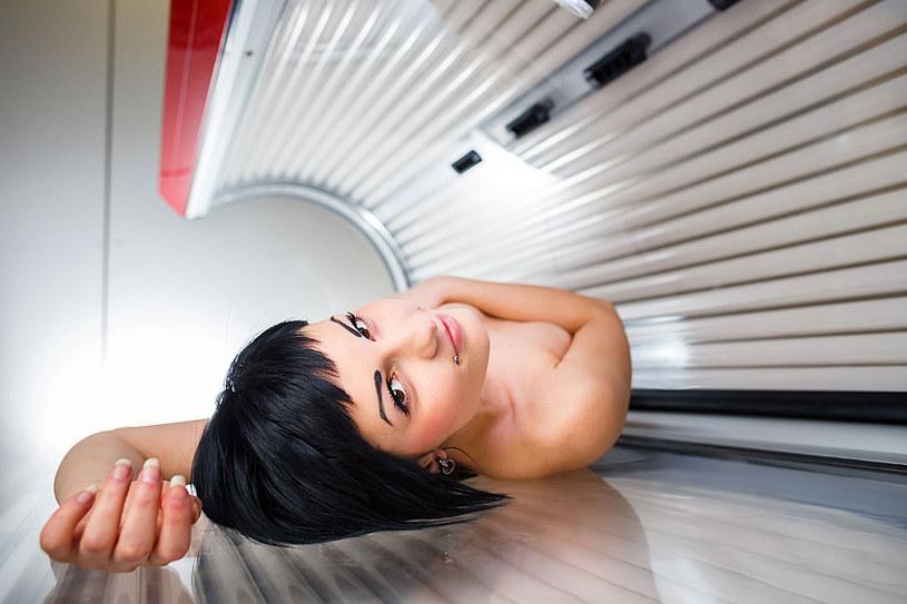Zastanów się, zanim zdecydujesz się na serię sztucznego opalania /©123RF/PICSEL