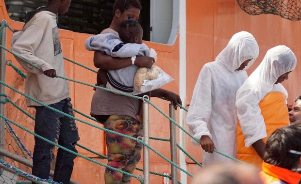 Zatonął statek z imigrantami. Straż przybrzeżna apeluje do pobliskich jednostek na morzu o pomoc