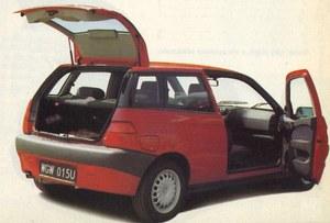 Zawiasy tylnych drzwi zostały w Alfie przesunięte znacznie do przodu. /Motor