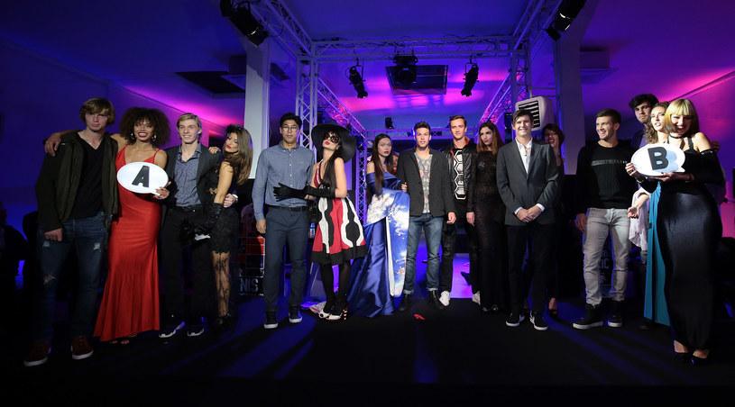 Zawodnicy z modelkami na ceremonii losowania turnieju Next Gen Finals /Emilio Andreoli  /Getty Images