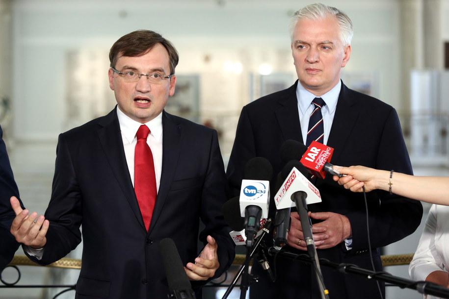 Zbigniew Ziobro i Jarosław Gowin /Tomasz Gzell /PAP/EPA