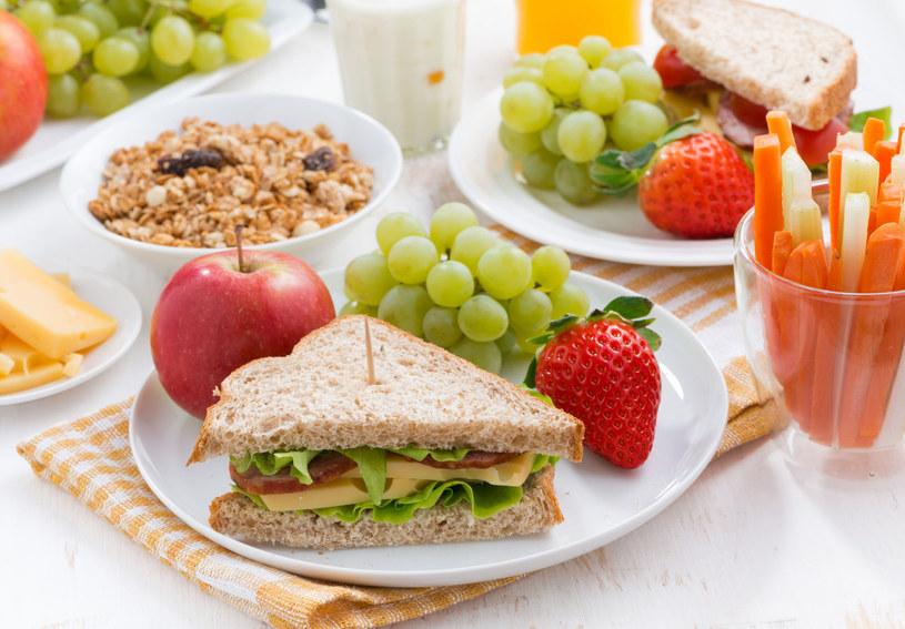 Zbilansowane śniadanie to kolorowe śniadanie /123RF/PICSEL