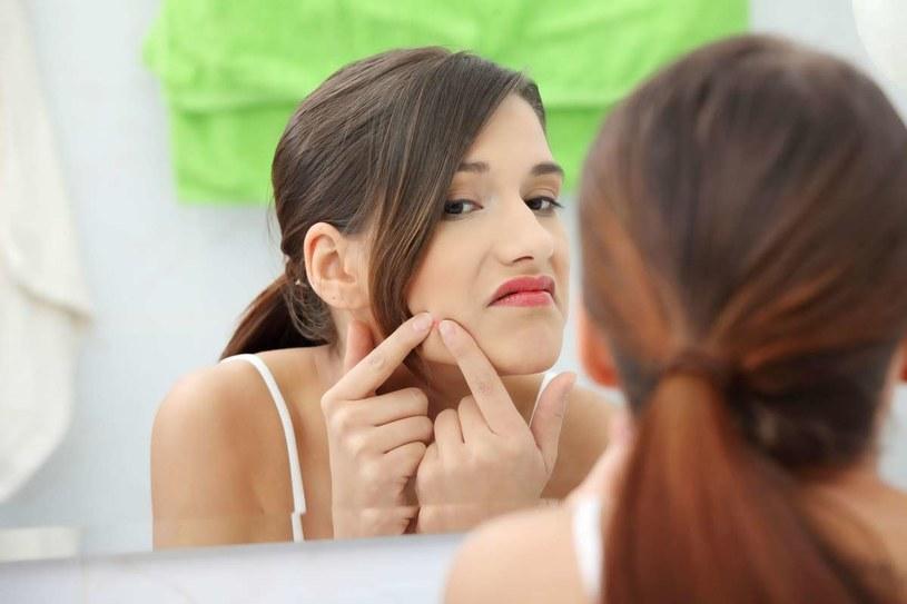 Zbrodnią dla skóry jest nieużywanie preparatów z filtrami przeciwsłonecznymi. /123RF/PICSEL