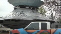 Zbudował centrum powitalne dla UFO. Czeka na kosmitów!