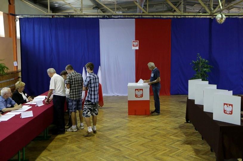 Zdaniem eksperta frekwencja w wyborach będzie niska /Dominik Gajda /East News