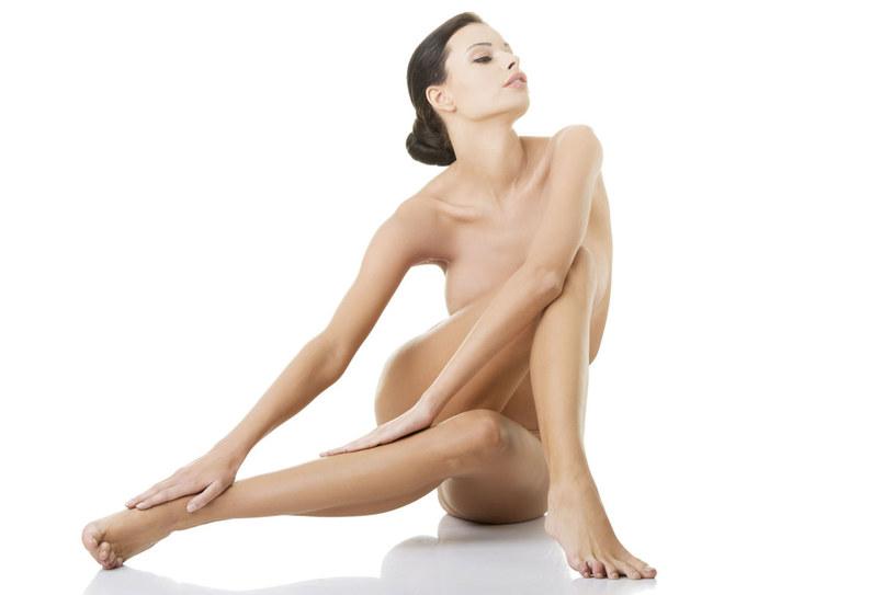 Zdaniem specjalistów najczęściej nie jesteśmy zadowolone z działania kosmetyków wyszczuplających , bo nie stosujemy ich regularnie. Oczekujemy też od nich zbyt wiele. /123RF/PICSEL