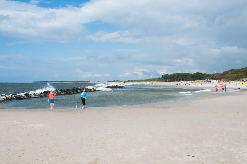 zdj. ilustracyjne; plaża w Darłowie /Artur Zawadzki /East News