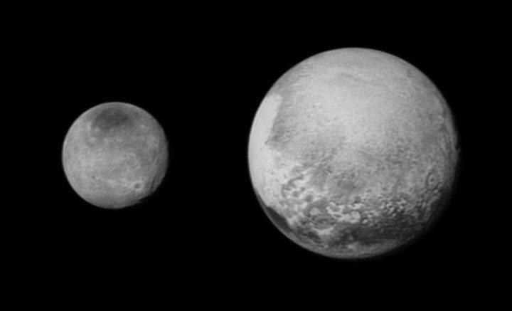 Zdjęcia Plutona i Charon z ujęć nawigacyjnych. Wykonane 12 lipca z odległości 2,5 mln kilometrów /NASA