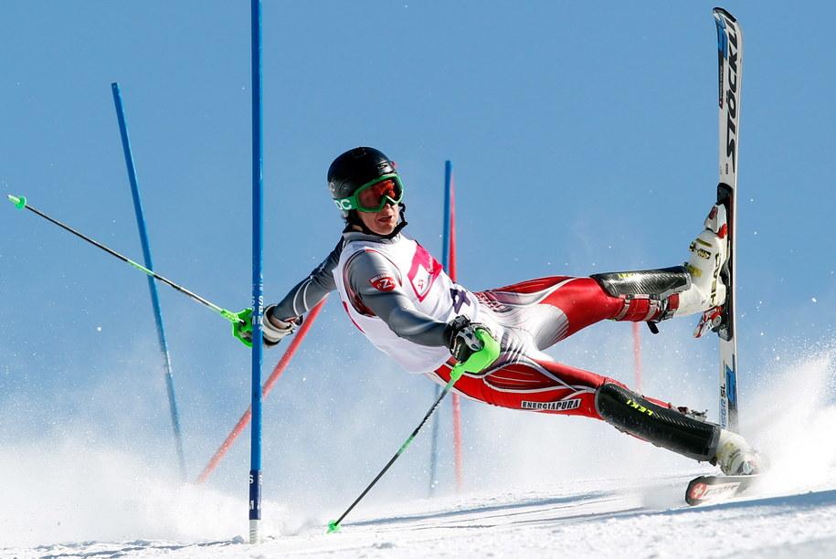 Zdjęcie autorstwa fotoreportera Polskiej Agnecji Prasowej Andrzeja Grygiela przedstawiające upadek Pawła Starzyka na trasie slalomu /Andrzej Grygiel /PAP