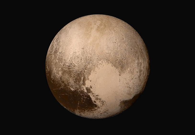 Zdjęcie Plutona uzyskane przez sondę New Horizons. Dzięki takim misjom wiemy coraz więcej o otaczającym nas wszechświecie /NASA
